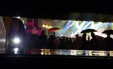 In the Tempo Latino Arena when the rain came
